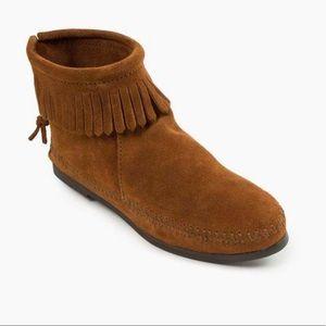 Minnetonka moccasin booties - size 9